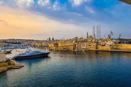 How to immigrate from the Middle East to Malta